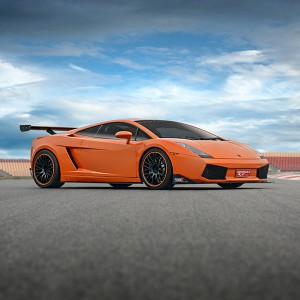 Lamborghini Gallardo Driving in El Jarama 3,8km (Madrid) - 2 laps (passes finish line)