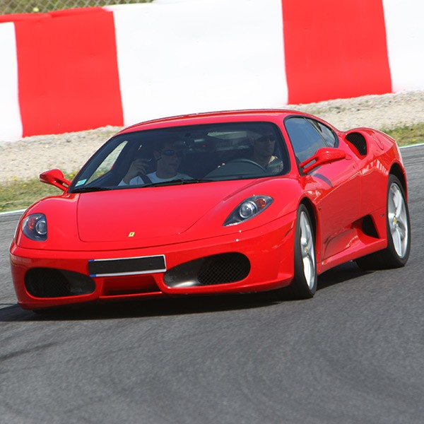 Circuito Zaragoza : Drive a ferrari f430 at the circuit of zuera zaragoza