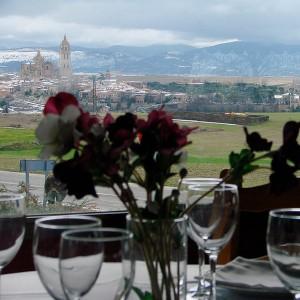 Hot air balloon flight + lunch in Segovia