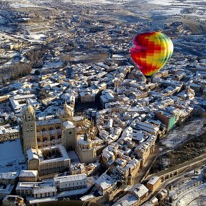 Hot air balloon flight + lunch in Segovia
