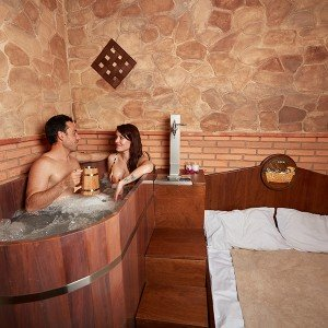 Beer Spa Circuit + massage in Zahara de los Atunes (Cádiz)