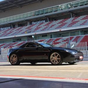 Aston Martin Vantage Driving in Brunete 1,6km (Madrid)