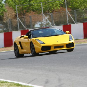 Lamborghini Gallardo Driving in Brunete 1,6km (Madrid)