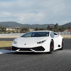 Lamborghini Huracán Driving in Montmeló Nacional 3km (Barcelona)