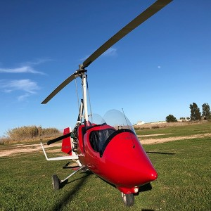 Fly a gyrocopter in La Llosa (Castellon)