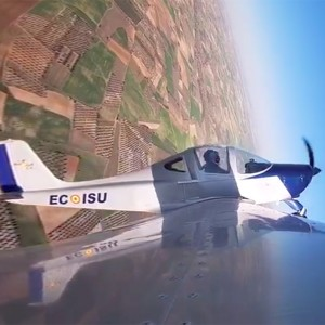 Semi-Acrobatic flying experience in Villacastín (Segovia)