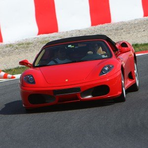 Ferrari Track and Highway Driving in Los Arcos 3,9km (Navarra)