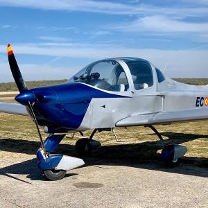 Semi-Acrobatic flying experience in Villacastín (Segovia)