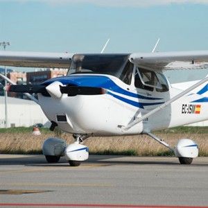 Fly a light aircraft in Sabadell (Barcelona)