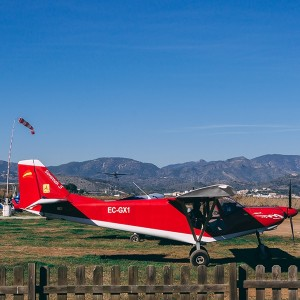 Fly a light aircraft in La Llosa (Castellon)
