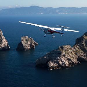Fly a light aircraft in L'Estartit (Girona)
