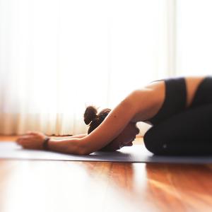 Reset: yoga class + massage in Valencia