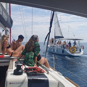 Private group sailing tour in Barcelona