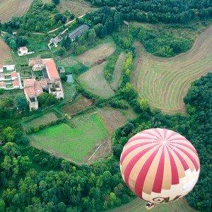 Hot air balloon flight in Haro (La Rioja)
