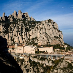 Helicopter tour for two in Montserrat (Barcelona)