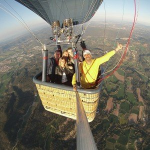 Hot air balloon exclusive flight for up to 5 people in Catalunya