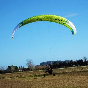 Paramotor flight in L'Estartit (Girona)