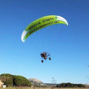 Paramotor flight in L'Estartit (Girona)