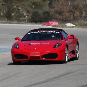 Conducir un Ferrari F430 en circuito en Can Padró 2,2km (Barcelona) - 1 vuelta