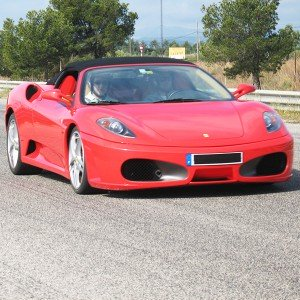 Ferrari en carretera en Sevilla - 11 km