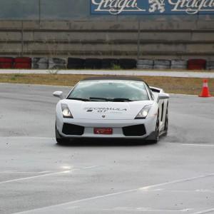 Lamborghini circuito + carretera en Montmeló Escuela 1,7km (Barcelona) - 1 vuelta + 11 km carretera