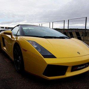 Lamborghini en carretera en Calafat (Tarragona) - 11 km