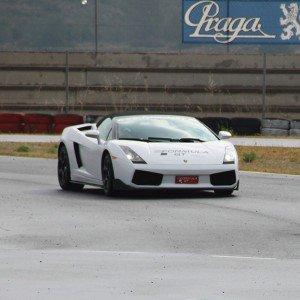 Lamborghini en carretera en Sevilla - 11 km