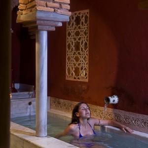 Baños árabes + masaje relajante en Córdoba