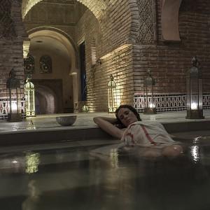 Baños árabes + masaje relajante en Granada