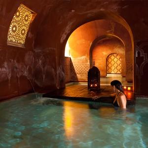 Baños árabes + masaje relajante en Madrid