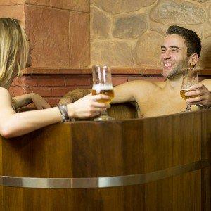 Circuito spa privado de cerveza + masaje para dos en Alicante