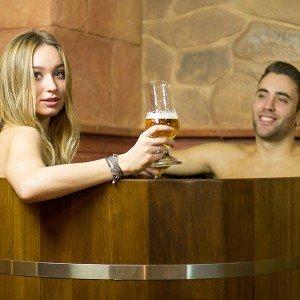 Circuito spa privado de cerveza + masaje para dos en Zahara de los Atunes (Cádiz)