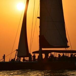 Puesta de sol en barco en Málaga