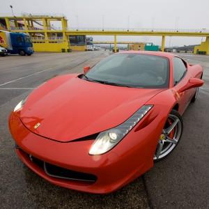 Conducir un Ferrari 458 Italia en circuito en FK1 2km (Valladolid)