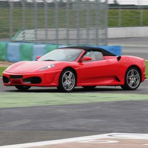 Conducir un Ferrari F430 en circuito en Brunete 1,6km (Madrid)