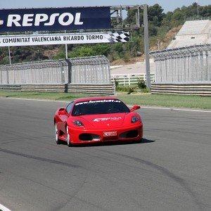 Conducir un Ferrari F430 en circuito en Cheste 3,1km (Valencia)