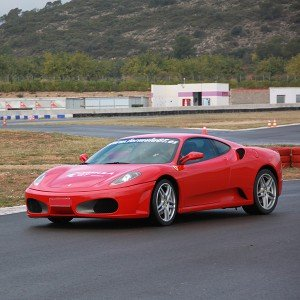 Conducir un Ferrari F430 en circuito en Monteblanco 2,7km (Huelva)