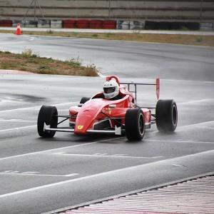 Conducir un Fórmula 2.0 en circuito en Monteblanco 3,9km (Huelva)
