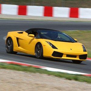 Conducir un Lamborghini Gallardo en circuito en Monteblanco 2,7km (Huelva)
