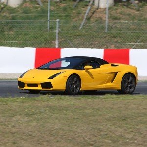 Conducir un Lamborghini Gallardo en circuito en Monteblanco 3,9km (Huelva)