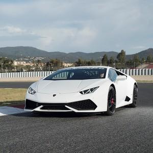 Conducir un Lamborghini Huracán en circuito en Monteblanco 3,9km (Huelva)