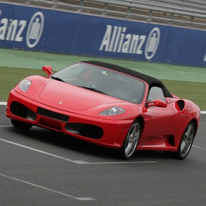 Copilotaje Extremo de Ferrari en circuito en Cheste 3,1km (Valencia)