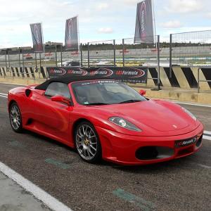 Copilotaje Extremo de Ferrari en circuito en Los Arcos 3,9km (Navarra)