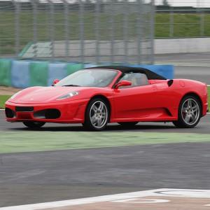 Copilotaje Extremo de Ferrari en circuito en Montmeló Nacional 3km (Barcelona)