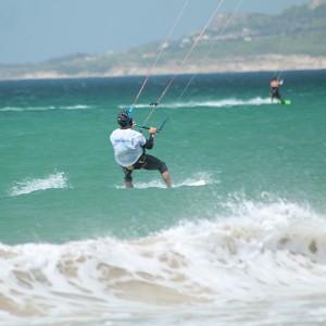 Curso privado de kitesurf en Tarifa (Cádiz)