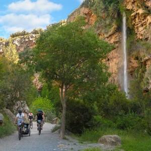 Excursión en bicicleta eléctrica al salto de la novia en Navajas (Valencia)