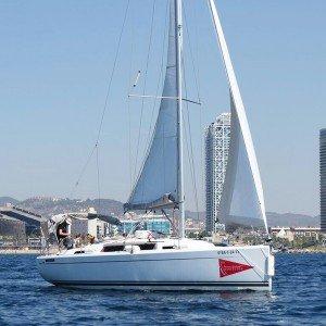 Navegar en velero compartido para 2 personas en Barcelona
