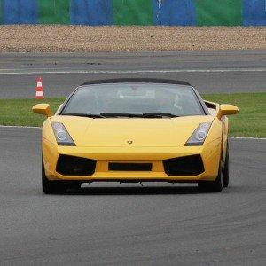 Lamborghini circuito + carretera en Brunete 1,6km (Madrid)