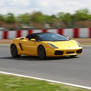 Lamborghini circuito + carretera en Cheste 3,1km (Valencia)