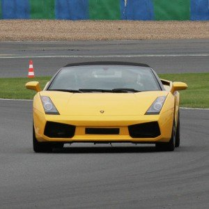 Lamborghini circuito + carretera en Los Arcos 3,9km (Navarra)